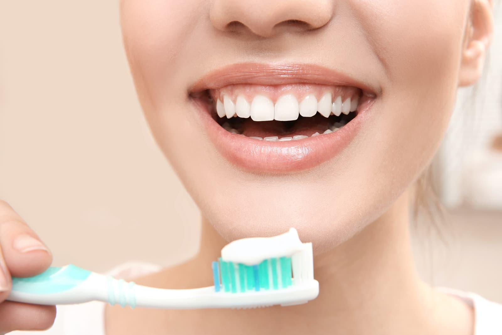 bigstock-Beautiful-woman-brushing-teeth-183703981