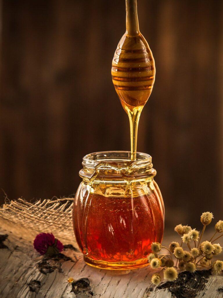 honey-1958464_1920-768x1024